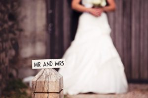 Cooling Castle Barn Wedding Photos | Emma and Stacy