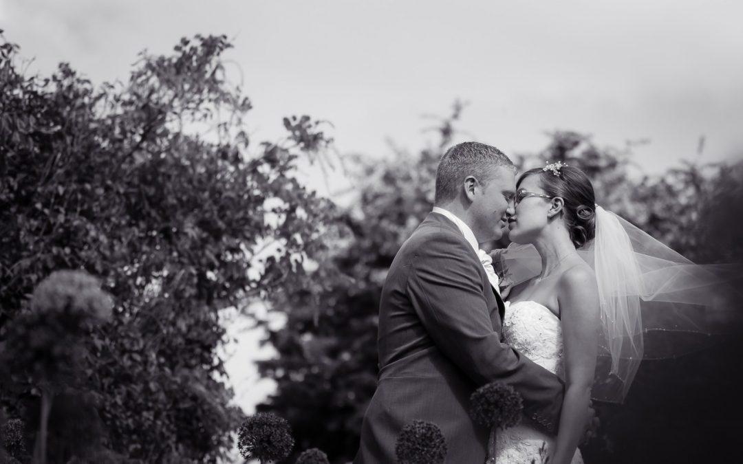 Old Kent Barn Wedding Photos | Folkestone Photographer | Emma and Scott