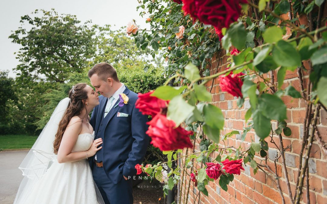 Cooling Castle Wedding Photography | Laura and Tom Previews